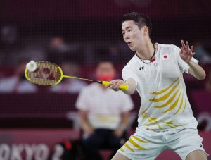 Kento Momota Outplays U.S. Opponent Timothy Lam in First-Round Match